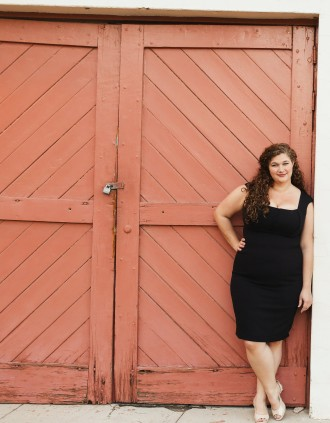 """What makes the desert beautiful is that somewhere it hides a well."" - Antoine de Saint-Exupery. Palm Springs Photo shoot Curvy, plus-sized photo shoot Embraceable Project #embraceablenow Body positive weight-loss blog photoshoot"
